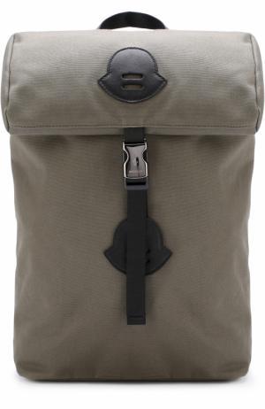 Текстильный рюкзак Moncler Enfant. Цвет: хаки