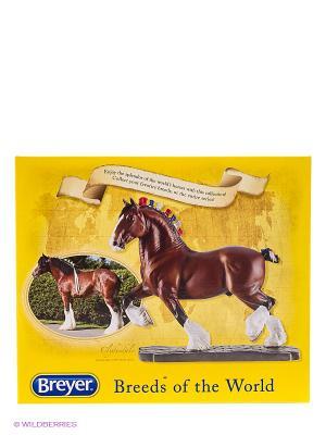Лошадь клейдесдальской породы Breyer. Цвет: темно-коричневый, белый