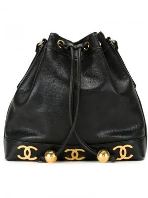 Сумка-мешок с бляшками логотипом Chanel Vintage. Цвет: чёрный