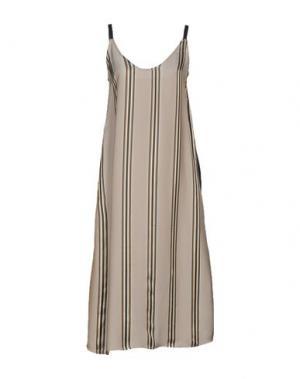 Платье длиной 3/4 SOUVENIR. Цвет: голубиный серый