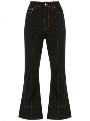 Укороченные расклешенные брюки Amapô. Цвет: чёрный