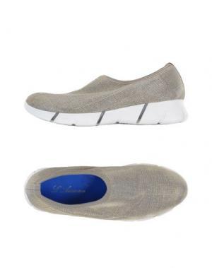 Низкие кеды и кроссовки L'ARIANNA. Цвет: бежевый