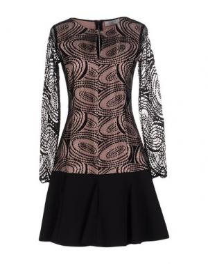 Короткое платье AXARA PARIS. Цвет: телесный