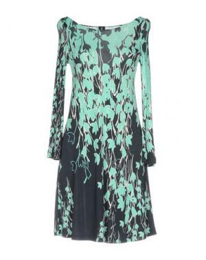 Короткое платье ONE. Цвет: светло-зеленый
