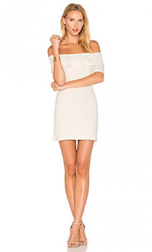 Платье со спущенными плечами addison De Lacy. Цвет: белый