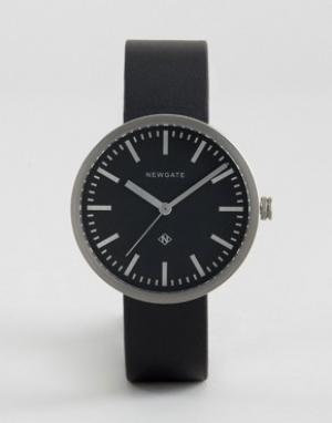 Newgate Часы с серебристым циферблатом и черным кожаным ремешком Drumm. Цвет: черный