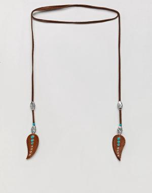 ASOS Кожаное ожерелье с элементами в виде перьев DESIGN. Цвет: коричневый