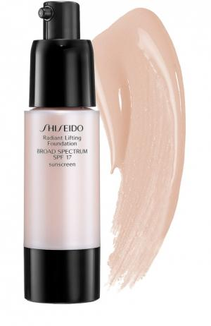 Тональное средство с лифтинг-эффектом, оттенок B40 Shiseido. Цвет: бесцветный