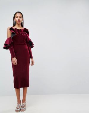 ASOS Edition Бархатное платье миди с оборками и длинными рукавами. Цвет: красный