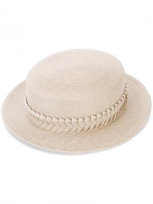 Шляпа с окантовкой в виде плетения Gigi Burris Millinery. Цвет: телесный