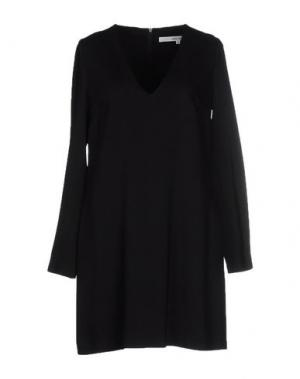 Короткое платье NORMALUISA. Цвет: черный