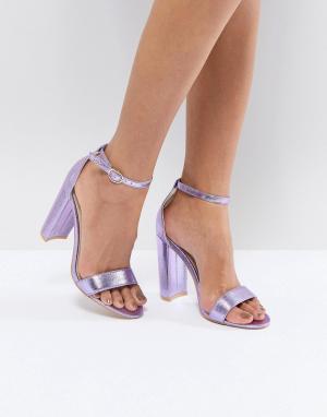 Glamorous Фиолетовые босоножки на каблуке с эффектом металлик. Цвет: синий