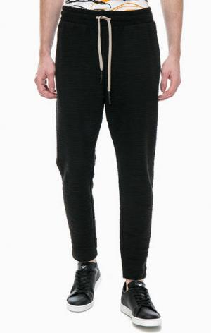 Зауженные брюки из фактурного трикотажа Antony Morato. Цвет: черный