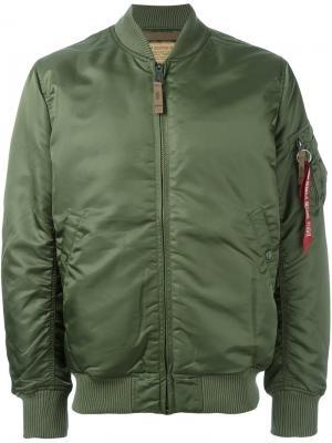 Дутая куртка бомбер Alpha Industries. Цвет: зелёный