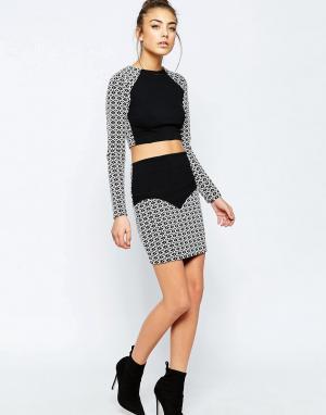 Hedonia Мини-юбка с контрастным геометрическим принтом Sella. Цвет: белый