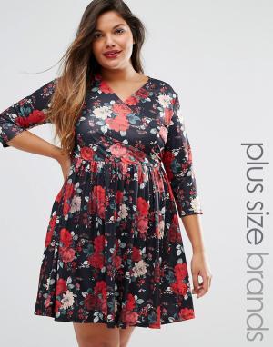 Praslin Чайное платье с запахом спереди и цветочным принтом Plus. Цвет: черный