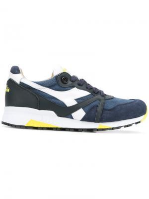 Кроссовки с панельным дизайном Diadora. Цвет: синий