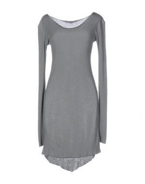Короткое платье NÖE. Цвет: серый