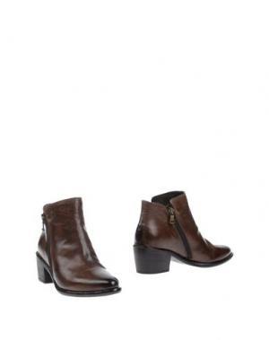 Полусапоги и высокие ботинки WEXFORD. Цвет: какао
