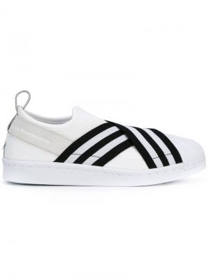 Слипоны Superstar Adidas By White Mountaineering. Цвет: белый