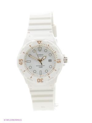 Часы Casio LRW-200H-7E2. Цвет: белый