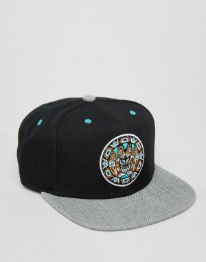 Mitchell & Ness Бейсболка Greytist Vancouver Grizzlies. Цвет: черный