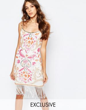 Frock and Frill Платье-футляр с отделкой и бахромой. Цвет: мульти