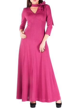 Полуприталенное платье с втачным шарфом Mannon. Цвет: малиновый