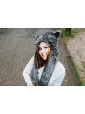 Шапка Серый Волк женская ZVEROSHAPKI. Цвет: серый