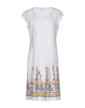 Платье до колена LA FABBRICA del LINO. Цвет: белый