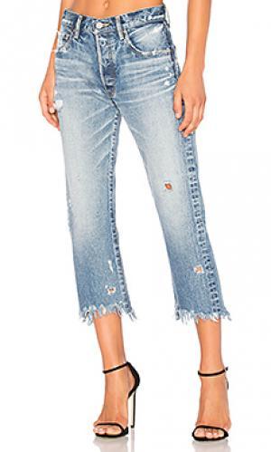 Укороченные прямые джинсы atoka Moussy. Цвет: none
