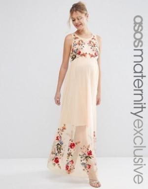 ASOS Maternity Сетчатое платье макси для беременных с вышивкой. Цвет: кремовый