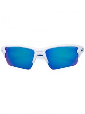 Солнцезащитные очки в квадратной оправе Oakley. Цвет: синий