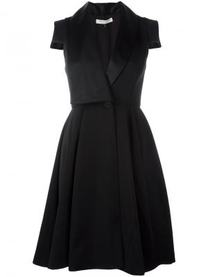 Плиссированное платье с запахом Halston Heritage. Цвет: чёрный