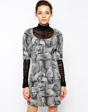 Antipodium Платье с принтом Garamond. Цвет: красный