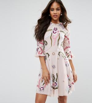 Frock and Frill Tall Свободное платье-премиум мини с отделкой и рукавами клеш Fri. Цвет: розовый