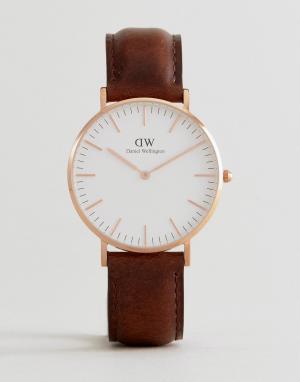 Daniel Wellington Часы с кожаным коричневым ремешком 36 мм DW00100039. Цвет: коричневый