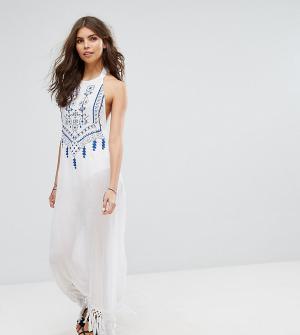 Akasa Пляжное платье макси с вышивкой, завязкой сзади и кисточками. Цвет: белый