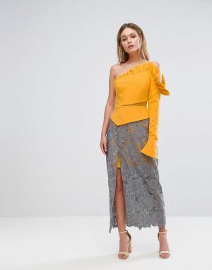 Three Floor Платье на одно плечо с оборкой, кружевной юбкой и разрезом до бедра Th. Цвет: мульти