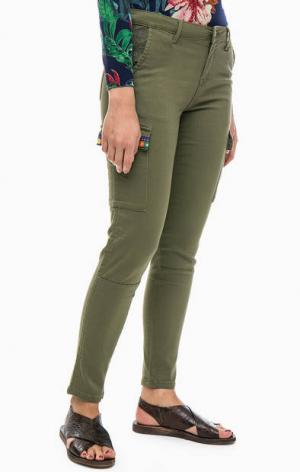 Хлопковые брюки с карманами Desigual. Цвет: хаки