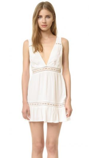 Платье Gabriel Stone Cold Fox. Цвет: белый