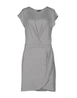 Короткое платье SINÉQUANONE. Цвет: серый