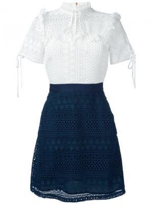 Платье с контрастным дизайном Perseverance London. Цвет: белый