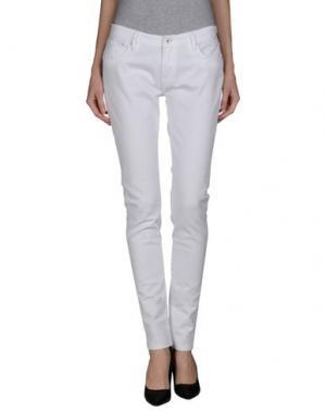 Джинсовые брюки DENHAM. Цвет: белый