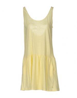 Короткое платье DES PETITS HAUTS. Цвет: желтый