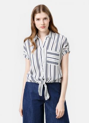 Принтованная рубашка OSTIN. Цвет: молочный