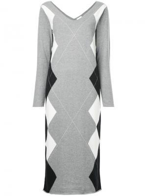 Платье с узором в ромб Cityshop. Цвет: серый