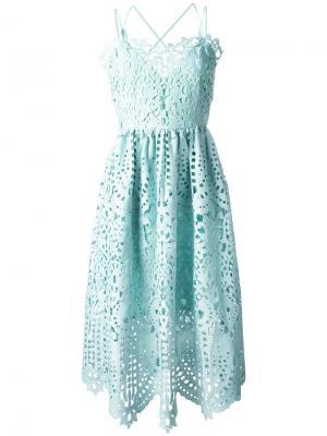 Кружевное расклешенное платье Perseverance London. Цвет: зелёный