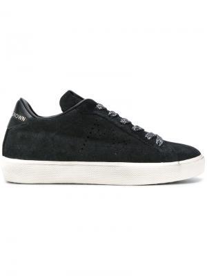 Кроссовки с блестящими шнурками Leather Crown. Цвет: чёрный