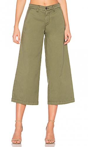 Devin crop trouser baldwin. Цвет: оливковый